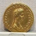 Domiziano, aureo per domizia, 81-92 dc..JPG
