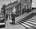Donderdagmiddag heeft H.M. de koningin de adviseurs voor de kabinetsformatie te , Bestanddeelnr 907-8239.jpg