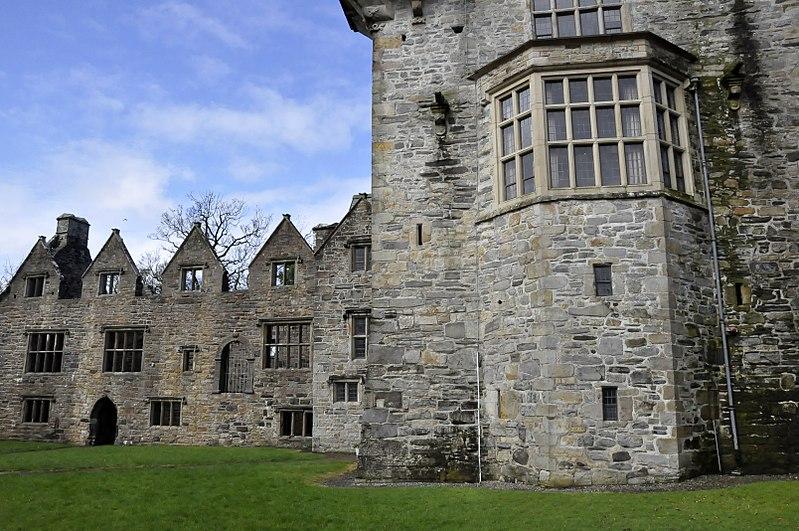 File:Donegal - Donegal Castle - 20170319151558.jpg