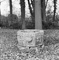 Doopvont in tuin - Wijnbergen - 20213814 - RCE.jpg