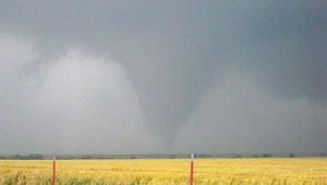 Tornado warning - A tornado in Douglas, Oklahoma, May 24, 2008.