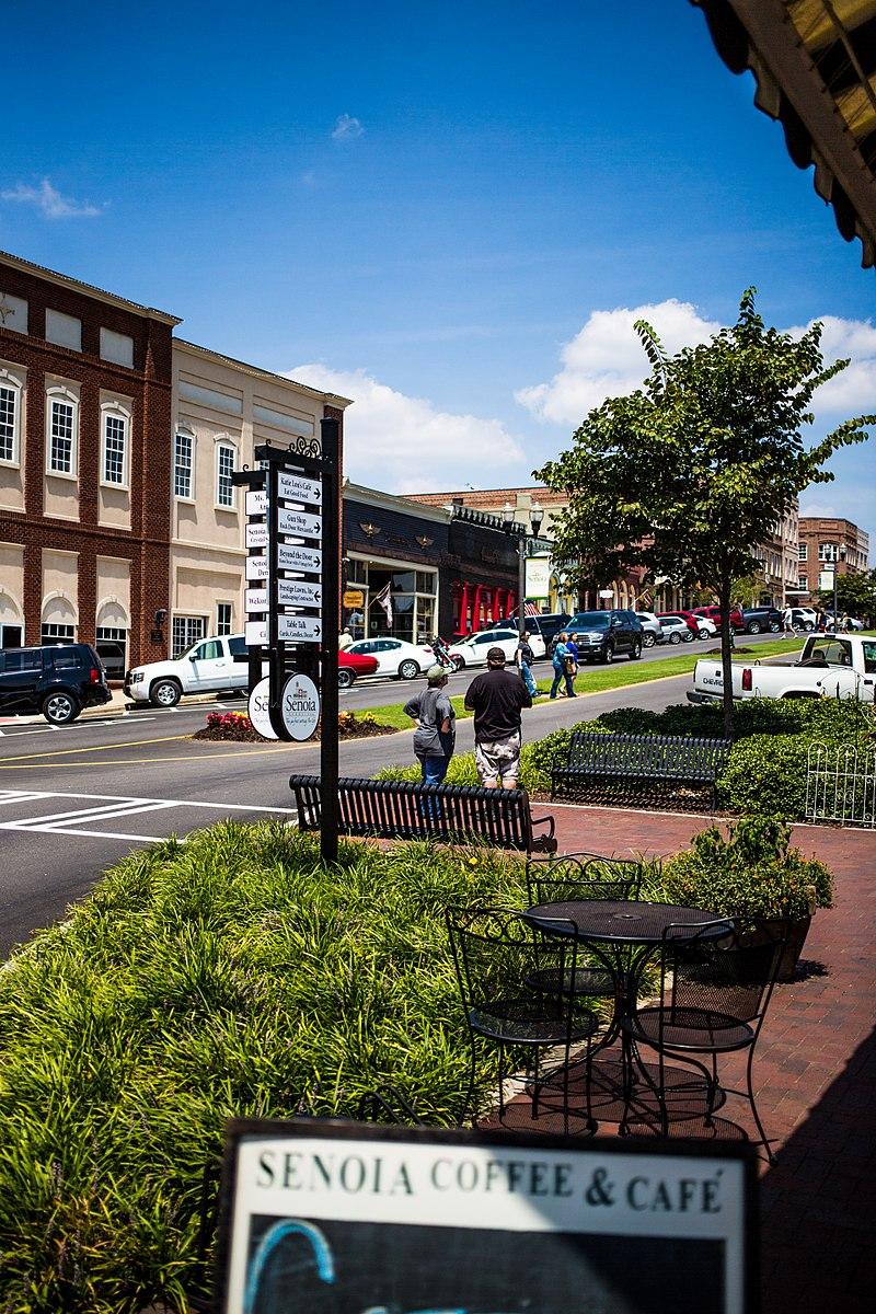 Downtown senoia georgia.jpg