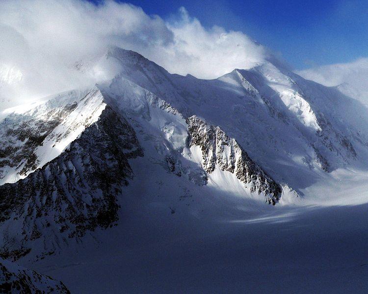 File:Dreieckhorn and Aletschhorn.jpg