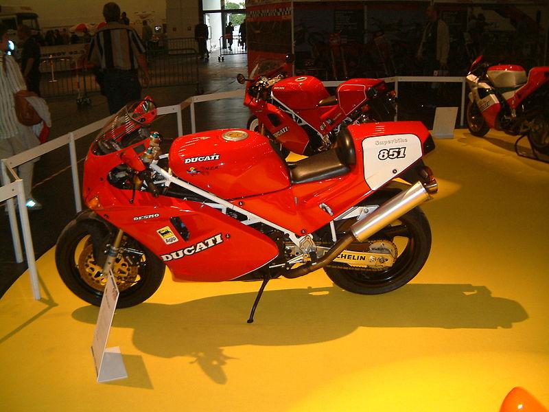 Die Intermot 800px-Ducati_851_%28DSCF0128%29