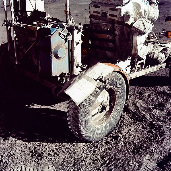 601px-Duct_tape_apollo17.jpg