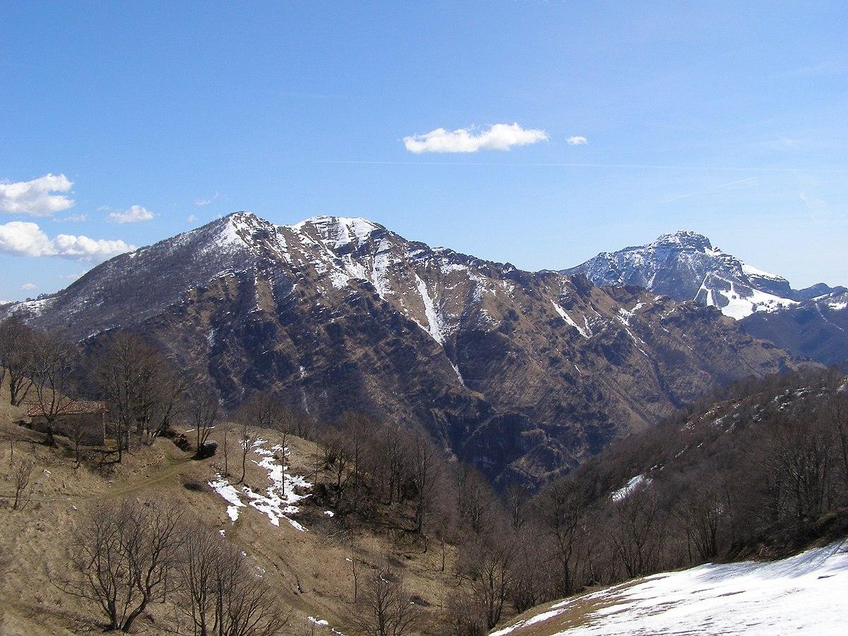Monte Due Mani - Wikipedia