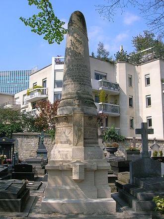 Jules Dumont d'Urville - Dumont-d'Urville's tombstone in Paris