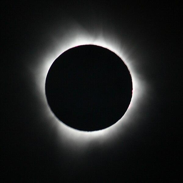 photographie d'une éclipse de 2010, Wikimedia