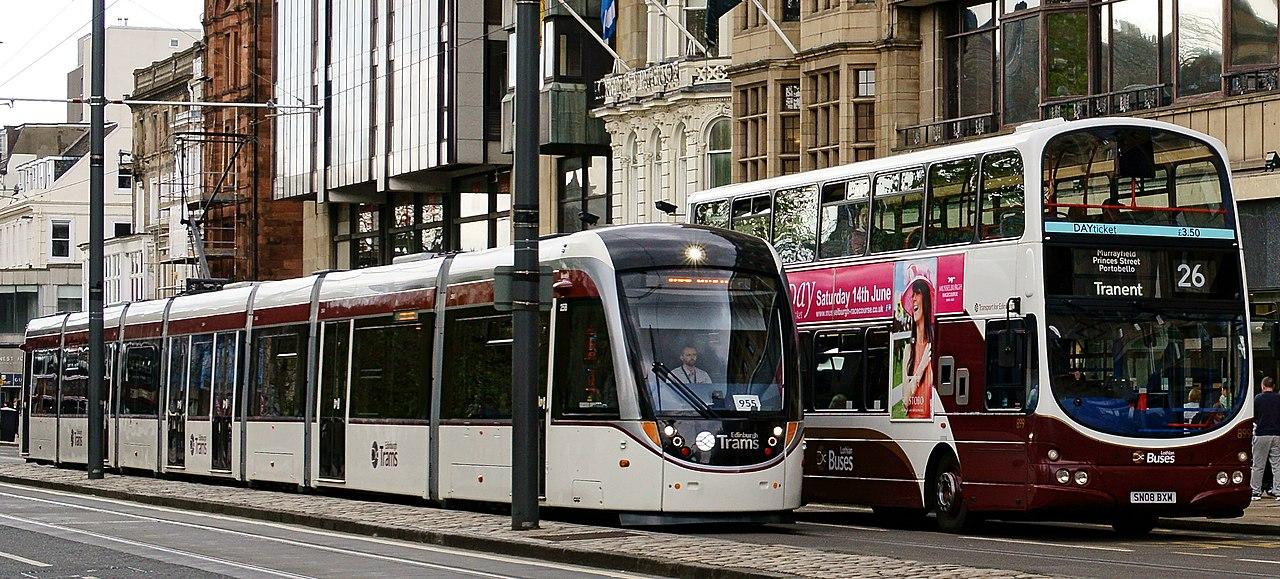 File Edinburgh Trams Tram Amp Lothian Buses Bus Princes