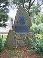 Ehringshausen-Dillheim Kriegerdenkmal frontal 20110906.jpg
