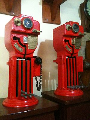Token (railway signalling) - Electric staff instruments manufactured by Webb and Thompson
