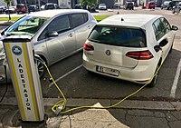 Electric vehicle charging station Ladestasjon for elbil Nissan VW e-golf Storgaten Tønsberg kommune Norway 2017-09-20 02.jpg