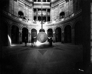Electrolier - Image: Electrolier MN State Capitol 1910