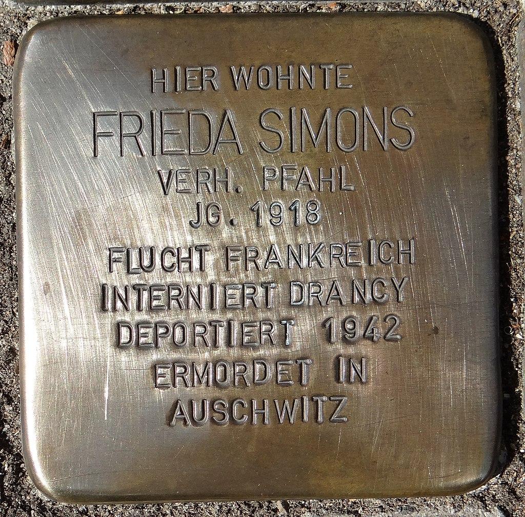 Eltville am Rhein Stolperstein Taunusstraße 14 Frieda Simons.jpg