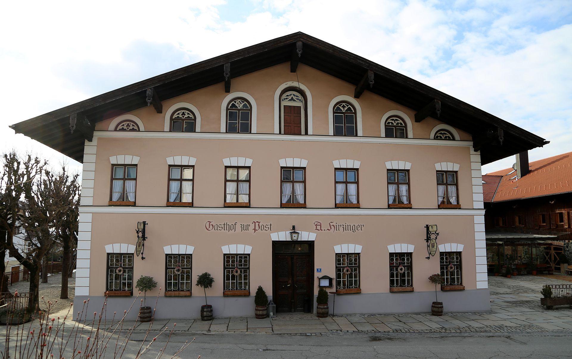 Wirtshausmusikanten beim hirzinger wikipedia for Innendekoration tagerwilen