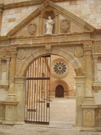Entrada al Monasterio de Santa Maria de Huerta