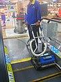 Escalator vacuum - 02.jpg