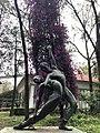 Escultura en parque.jpg