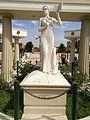 Estàtua de Erato del Parque de las Musas de Chiclayo.jpg