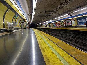 Bilbao (Madrid Metro) - Line 4 platforms at Bilbao