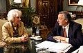 Estela de Carlotto y Néstor Kirchner en Casa Rosada-30MAY06-presidencia-govar.jpg