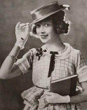 Schauspieler Esther Howard