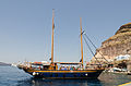 Excursion boat - Ormos port - Fira - Santorini - Greece - 01.jpg