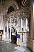 Exeter Cathedral (St. Peter) (15207604039).jpg