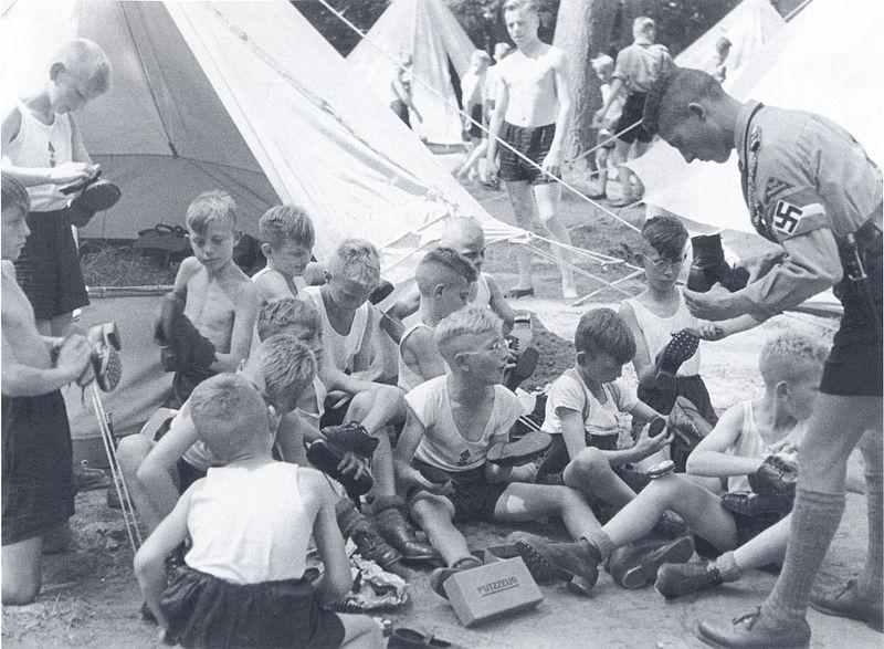 File:Fenske - HJ im Ferien-Zeltlager Espohl bei Lemfoerde.jpg