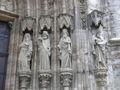 Figuren Portal Marienkirche Mühlhausen rechts.JPG