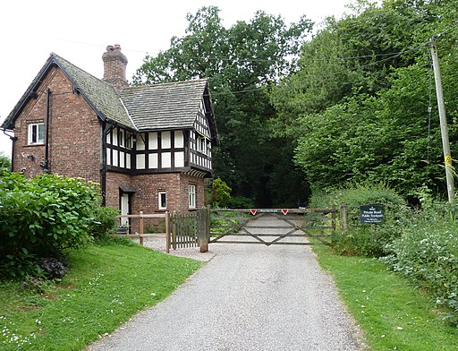 Gatehouse on Sack Lane, Arley Hall estate, Cheshire-geograph-2251660-by-Anthony-ONeil