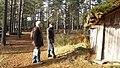 Gene fornby. Restaureringen 2012-2013. Arkeolog Lars Göran Spång och projektarbetsledare Lars Westerbring synar skicket på smedjan.jpg