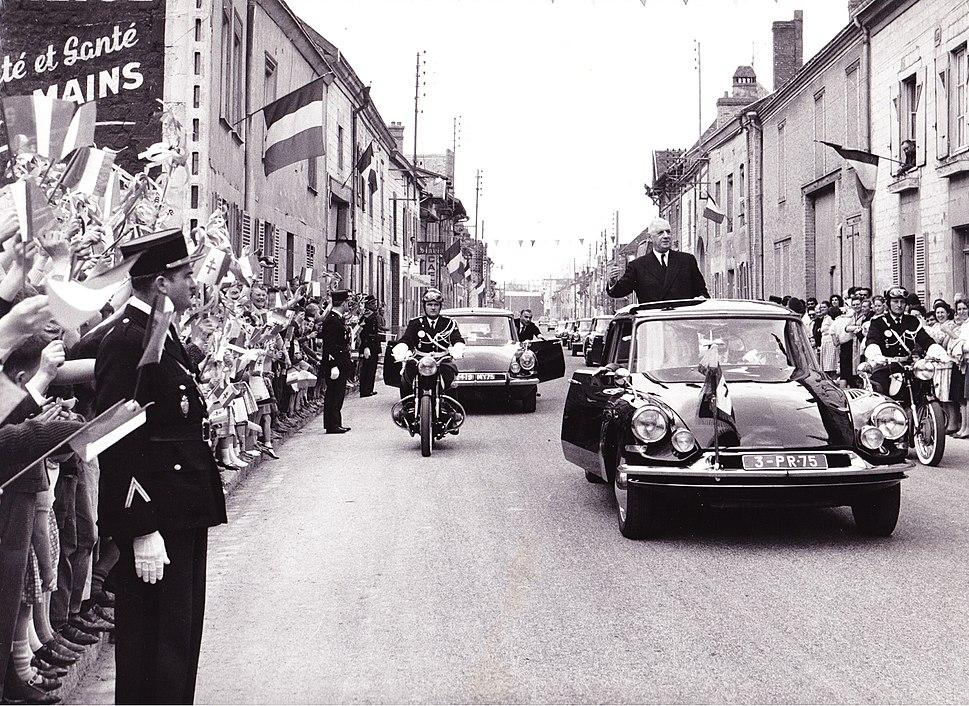 General charles de gaulle visite isles sur suippe 1963