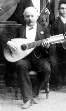 A mandolone played by Giuseppe Branzoli during a concert in Rome, 1889 Giuseppe branzoli concert rome.jpg