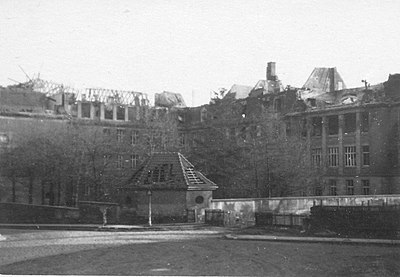 Goethe-Gymnasium Kassel Zerstörung Nov 1943 01.jpg