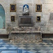Gonzalo de Mena y Roelas. Sepulcro.jpg