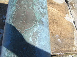 Honi soit qui mal y pense - Motto on cannon at Fort Denison, Sydney