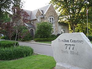 Hamilton cemetery - Entrance
