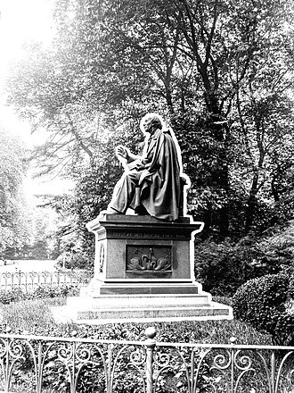 Statue of Hans Christian Andersen, Rosenborg Castle Gardens - The statue photographed by Frederik Riise