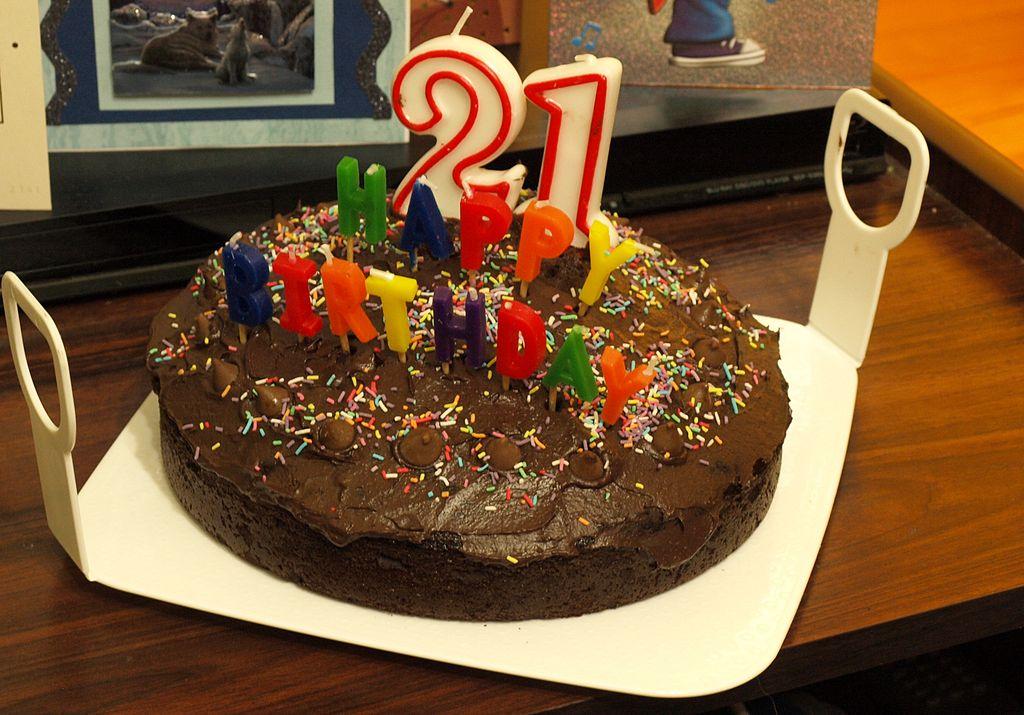 Birthday Cake Matthew Snowboard