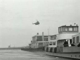 Bestand:Helicopter verbreekt het isolement van Lelystad Weeknummer 54-11 - Open Beelden - 49021.ogv