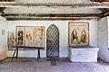 Hermagor Latschach Filialkirche hl Leonhard Vorlaube Portal got Wandmalereien 08062017 9160.jpg