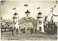 "Hobart - Royal visit - 1901 - ""Welcome to Port of Hobart"" Marine Board Arch - Salamanca (11279754934).jpg"
