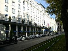 Hotel Bayerischer Hof München-Außenansicht-Südseite-Blick nach Osten