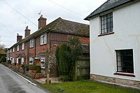 Houses at Popham - geograph.org.uk - 1772222.jpg