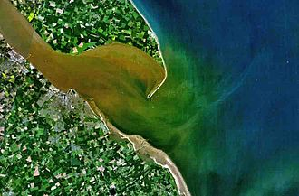 Holderness - The silt flows at the Humber Estuary