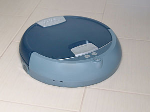 English: iRobot Scooba 380 floor washing robot