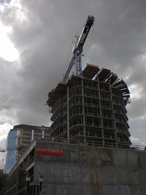 Icon Towers - Image: Icon II construction