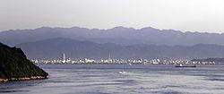 Vido de Seto Interna Maro kaj urbocentre Imabari