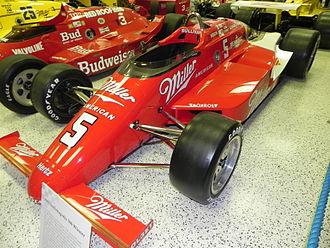 1985 Indianapolis 500 - Image: Indy 500winningcar 1985
